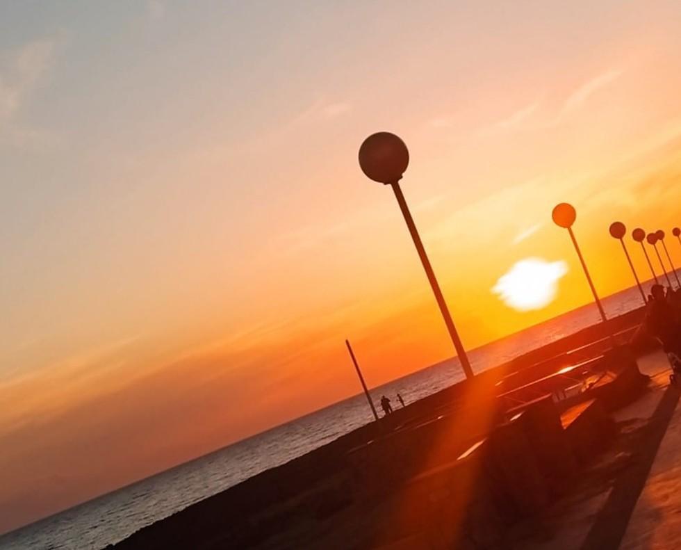 Il primo tramonto al mare