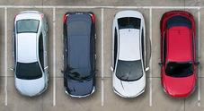 Vendita auto: crescono i mega concessionari, scende capillarità. Test drive utilissimi, giovani non amano web
