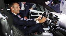 Macron, incentivi a pioggia per veicoli green. Piano da 8 mld di euro per rilanciare industria auto francese in crisi
