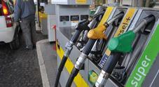 Carburanti, finito il lockdown prezzi tornano a salire. Benzina a 1,366 euro a litro, diesel a 1,256