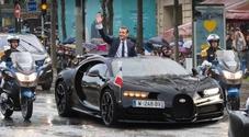 Macron, un piano da 8 miliardi per rilanciare l'auto: «Un settore strategico per la Francia»