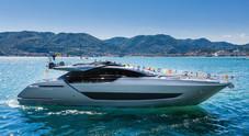 Varato da Riva il primo yacht del dopo Covid-19. Ecco Folgore: capolavoro di stile, lusso e innovazione