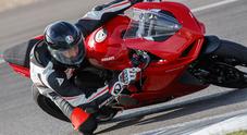 """Ducati Panigale V2, in sella alla """"super media"""". Si può andare forte senza accorgersene"""