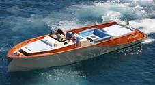 WB 40 Classic, mix di classico e moderno in 13 metri. E' una barca in legno e carbonio che vola a 40 nodi