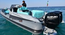 Sport Touring 27 nuovo gommone della linea Cayman di Ranieri. Misura 8,50 metri e tocca i 44 nodi con due motori Suzuki da 200 hp