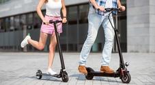 Mobilità, bonus per bici e monopattini fino a 500 euro. De Micheli: «Allo studio per città con più di 50mila abitanti»