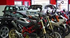 Mercato auto, segno positivo a luglio per l'usato. Bene anche le moto di seconda mano, giù le radiazioni