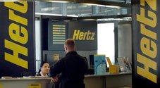 """Hertz dichiara bancarotta in Usa e Canada. Il gigante dell'autonoleggio nel """"chapter 11""""non include le attività in Europa"""