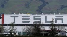 Covid-19: fabbrica Tesla ferma. Musk minaccia: «La sposto, trasferirò sede e progetti da California a Texas e Nevada»