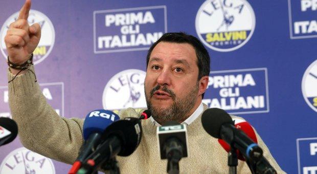 Coronavirus, Salvini: controllare ogni ingresso, governo incapace. Pd e Iv: sciacallo