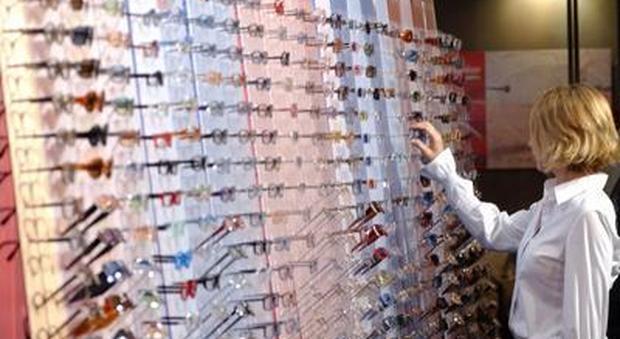 Bonus occhiali da vista nel Decreto Rilancio: come fare per averlo (fotogramma)