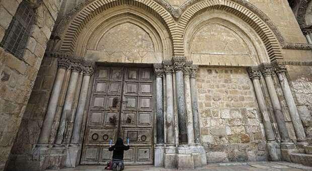 Coronavirus, Israele chiude il Santo Sepolcro: è successo soltanto nel 1349