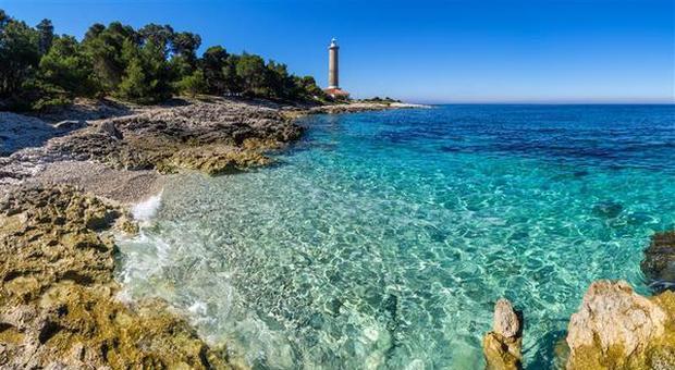 La Croazia apre le spiagge ai turisti: «Nessun divieto, solo precauzioni»