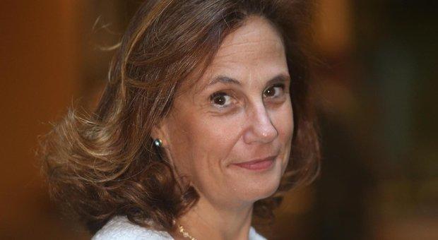 Ilaria Capua: «Dal plasma convalescente rischi come epatite e choc anafilattico. Il vaccino? Non ci farà uscire presto dall'incubo»