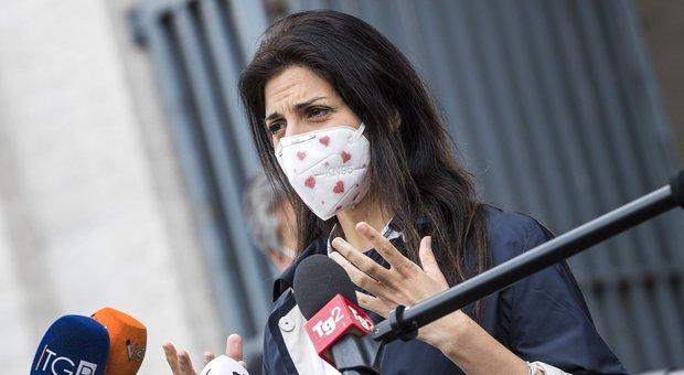 Roma, «No al Raggi bis»: lite M5S sul patto con il Pd