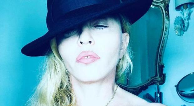 Madonna, topless super hot su Instagram: è boom di like