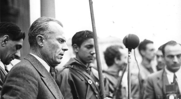 Sandro Pertini in una foto del 1945