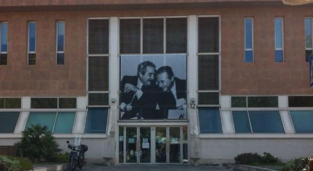Pesaro, lei lo accusa di violenza sessuale, lui di furto: badante e anziano entrambi assolti