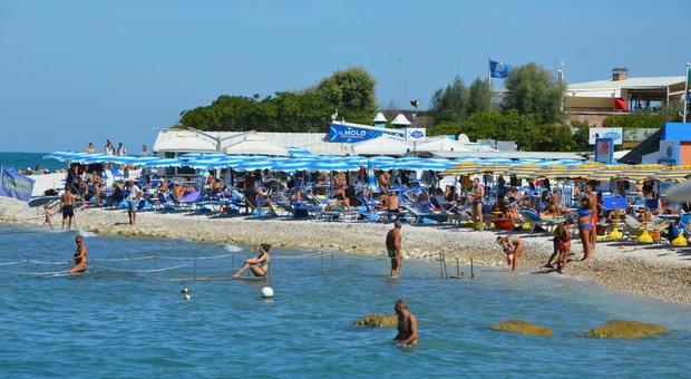 Aperti solamente due hotel: il turismo è al collasso: «C'è chi rischia di chiudwere per sempre»