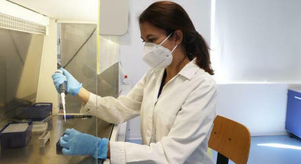 Coronavirus, donna valdostana torna positiva dopo quattro mesi: «Non è reinfezione»