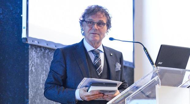 Il prof. Carlo Foresta