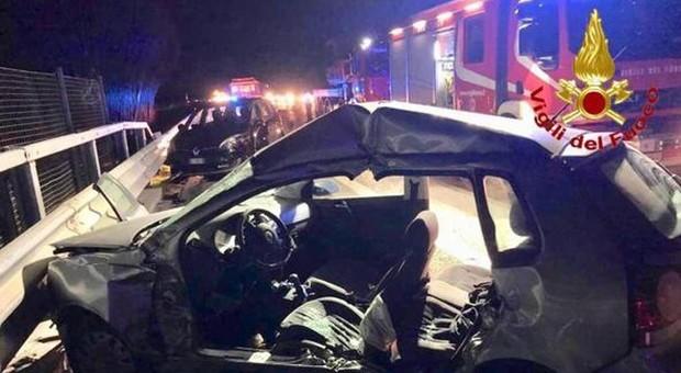 Torino-Aosta, auto tamponata da Tir: morta la madre, feriti due bambini