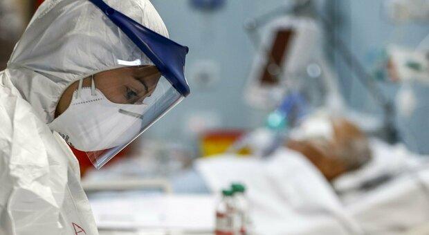 Musicista positivo al coronavirus, in quarantena anche dodici suoi amici. Sono tornati dalla Grecia il primo agosto