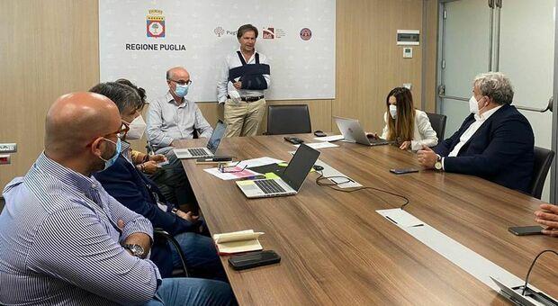 Covid, Emiliano: «In Puglia 177 persone positive, tutti di rientro dalle vacanze soprattutto in Sardegna»