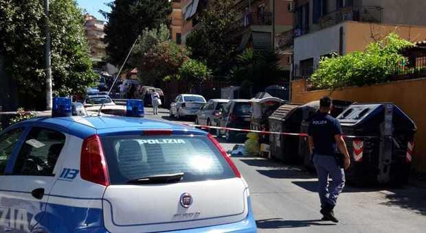Roma, spara alla moglie e al figlio piccolo e tenta il suicidio: choc a Primavalle