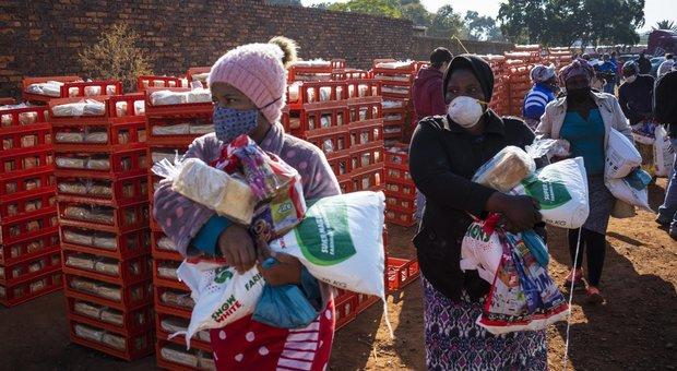 L'Africa flagellata da tre piaghe in contemporanea: coronavirus, inondazioni e invasione di locuste