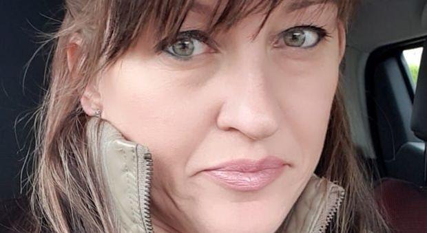 Dopo un mese si sveglia dal coma e racconta l'omicidio dell'amica: «Ero lì per proteggerla»