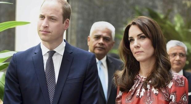 Kate Middleton in ansia per il piccolo Louis: «Non riesce a rispettare quella regola...»