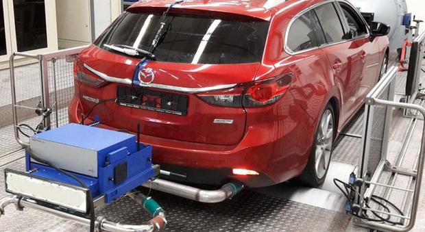 Un veicolo in fase di test delle emissioni
