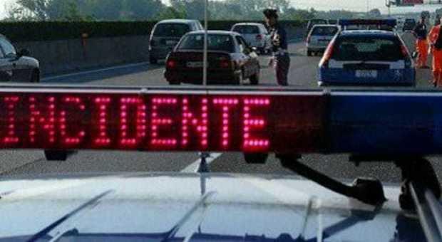 Incidente in A34: tampona con la sua Audi un'altra auto, morta bimba di 4 mesi