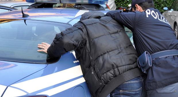 La tua segnalazione a Corriereadriatico.it. «Arrestato col foglio di via. Spreco di carta»