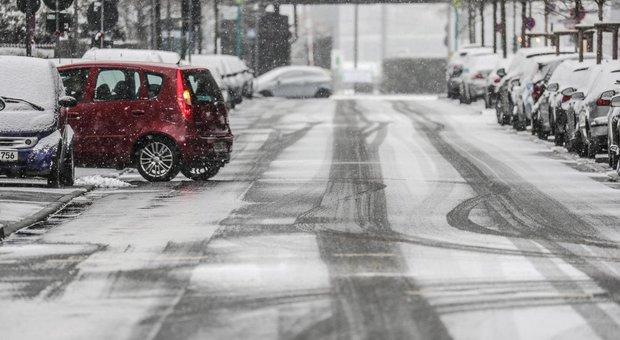 Italia al gelo, -12° in Umbria: allerta neve sino a domani, poi sarà svolta