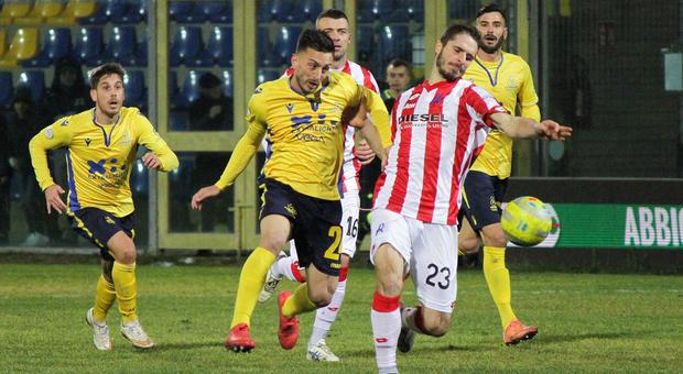 Antonio Bacio Terracino, 27 anni, durante una partita della Fermana
