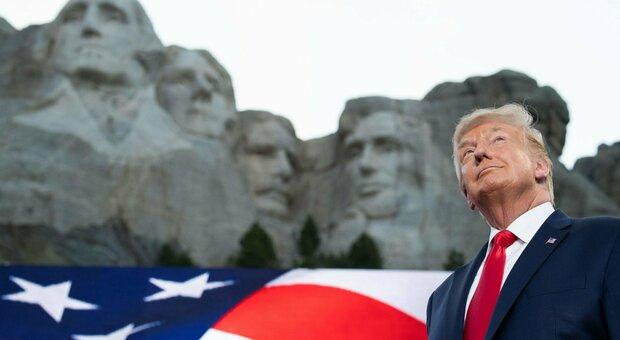 Trump e il suo sogno non tanto segreto: «Il mio volto a destra di Lincoln a Mount Rushmore»