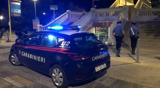 I carabinieri impegnati nel controllo la notte di venerdì a Palombina Nuova
