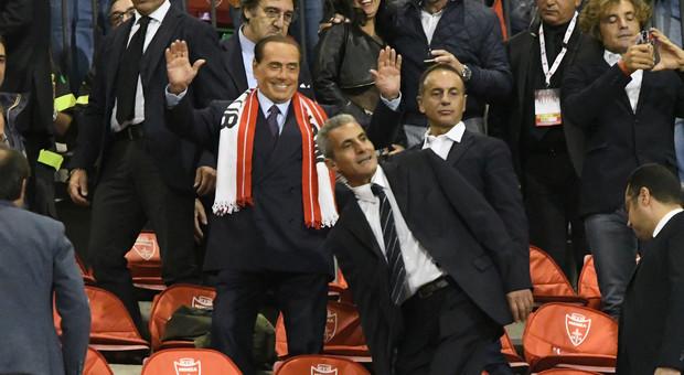 Il Monza vola, Berlusconi e la battuta 'hot': «Più forti del Milan. Ora scusate ma devo andare...»