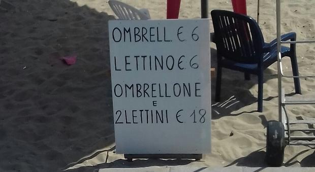 Ombrellone e lettino, in spiaggia gli affari dell'estate: pago tre e prendo tre