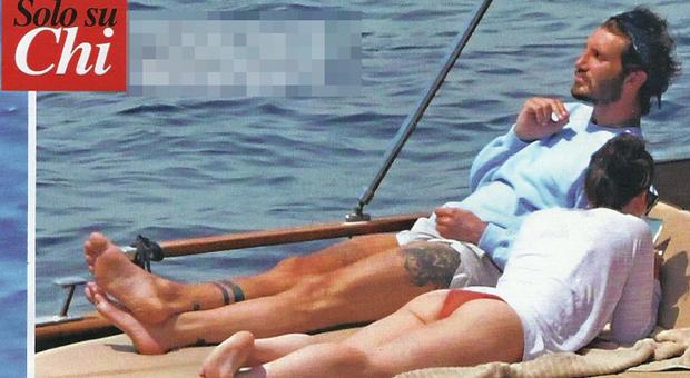 Stefano De Martino in barca a Napoli (Chi)