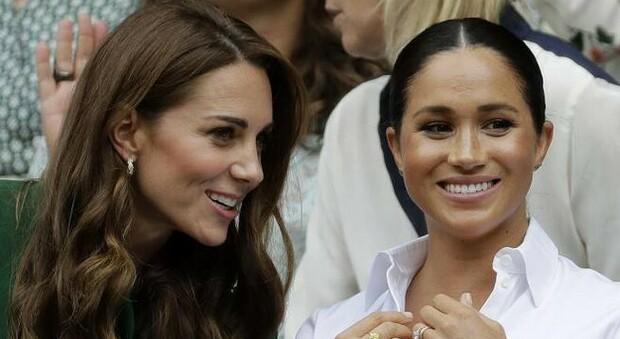 Kate Middleton e Meghan Markle, un incidente a palazzo le ha divise per sempre: «La guerra è iniziata da una sfuriata»