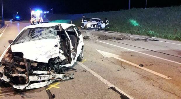 Gorgo al Monticano, incidente stanotte: due auto distrutte, feriti fra le lamiere