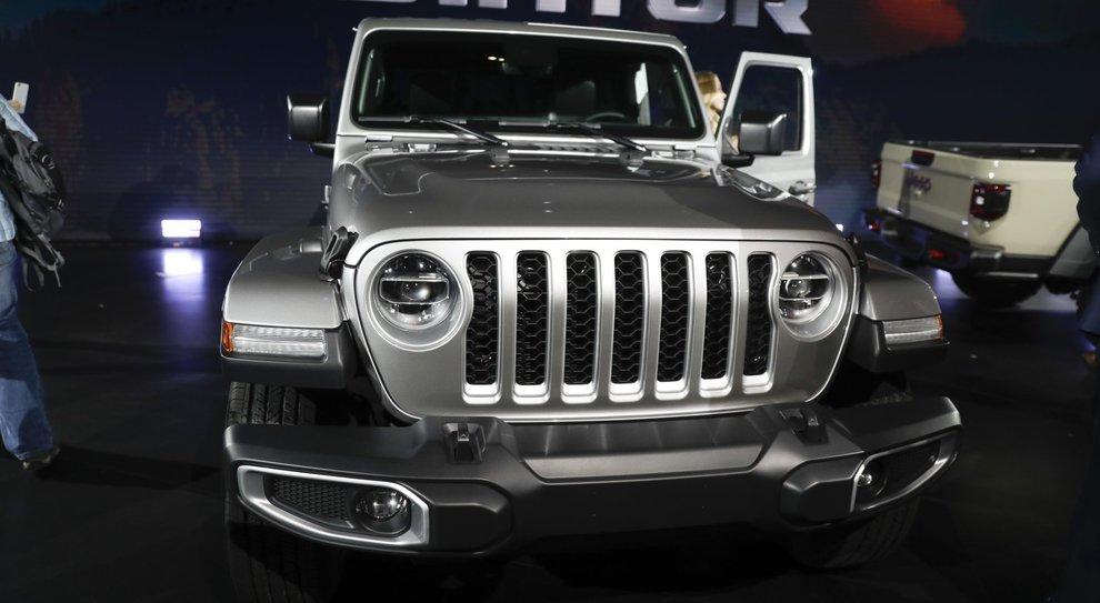 La Jeep Gladiator ha debuttato al Los Angeles auto show