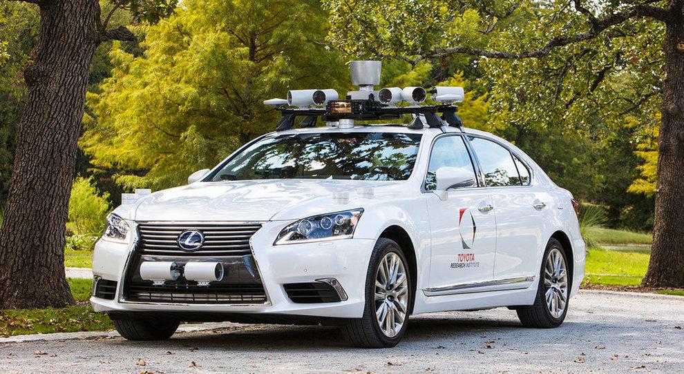 Un prototipo Lexus a guida autonoma
