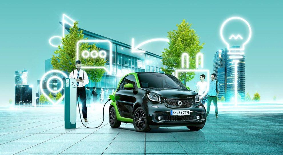 """Dal turbodiesel all'auto elettrica. Il futuro è """"zero emission"""" ma i motori tradizionali hanno ancora un ruolo chiave"""