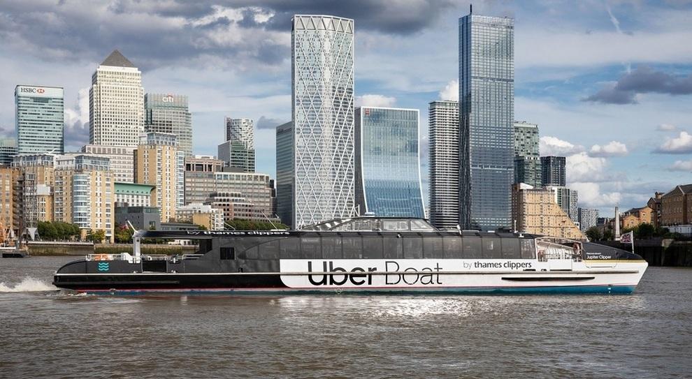 Il servizio Uber sul Tamigi a Londra