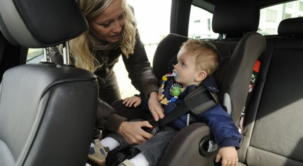 Ecco il seggiolino auto che mette a rischio la vita dei bambini: Chicco richiama modello