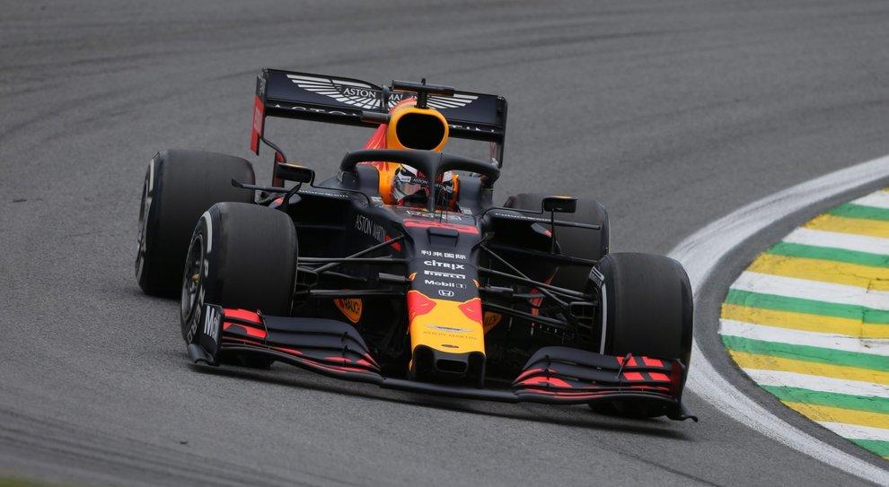 Verstappen in pole in Brasile. In prima fila anche la Ferrari di Vettel